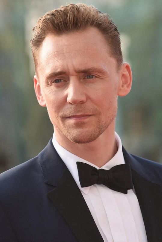Tom Hiddleston je u veřejnosti největším favoritem na dalšího agenta 007.