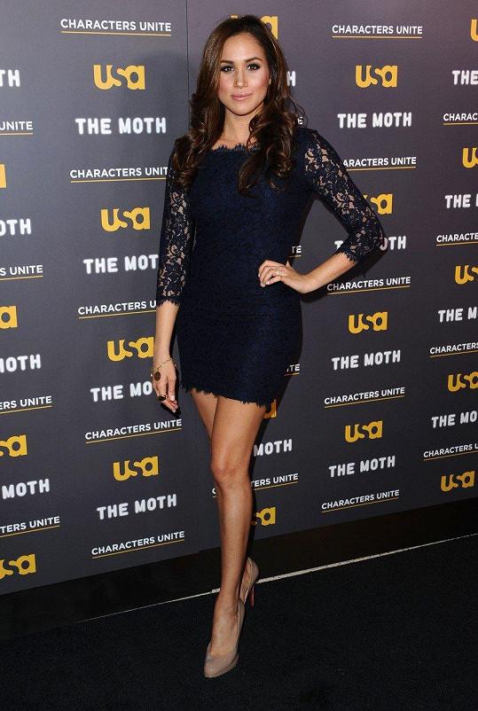 Meghan má sice krásné nohy...