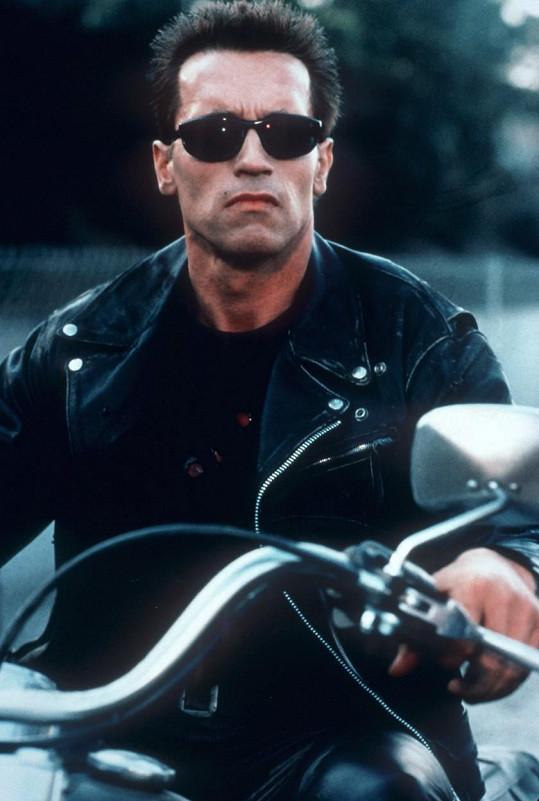 Originál v podání Arnolda Schwarzeneggera