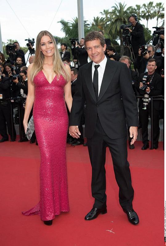 Půvabná Holanďanka nahradila po hercově boku exmanželku Melanii Griffith.