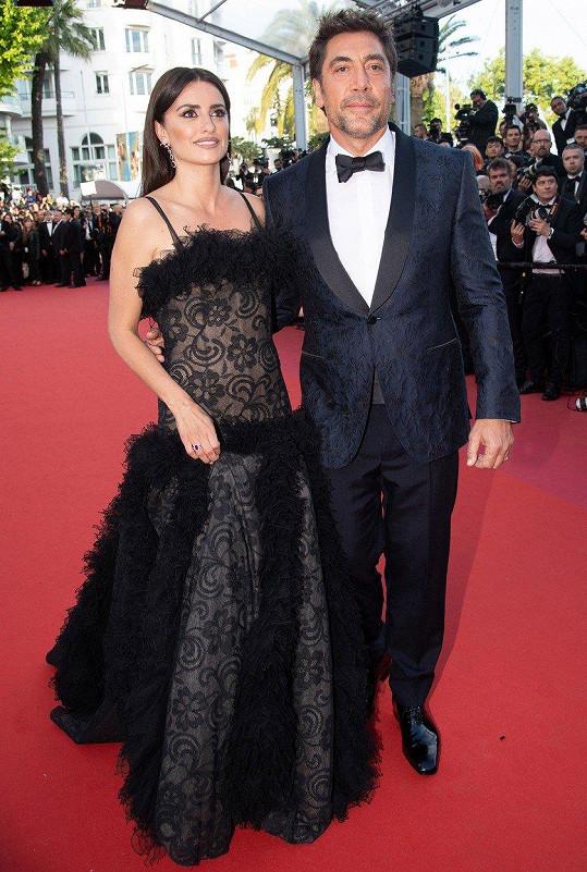 Loni ho do Cannes doprovodila manželka Penélope Cruz.