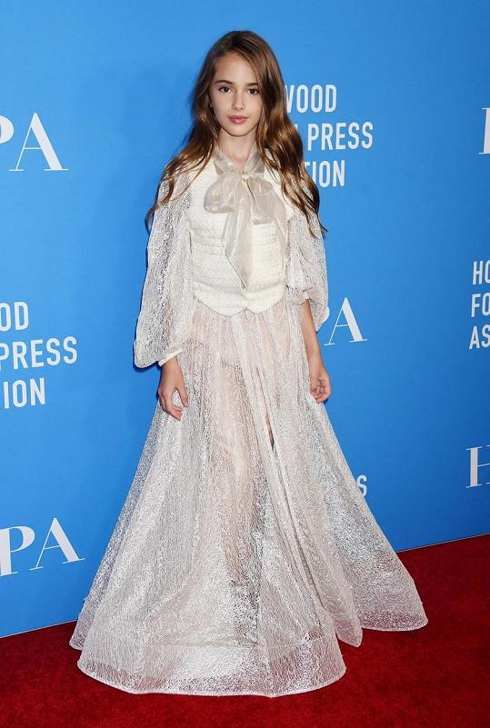 Julia začínala s herectvím už ve čtyřech letech. V deseti si zahrála u Tarantina.