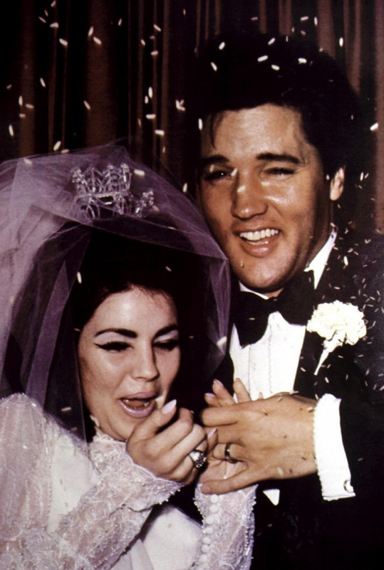 V roce 1967 se oženil s Priscillou Ann Wagner.