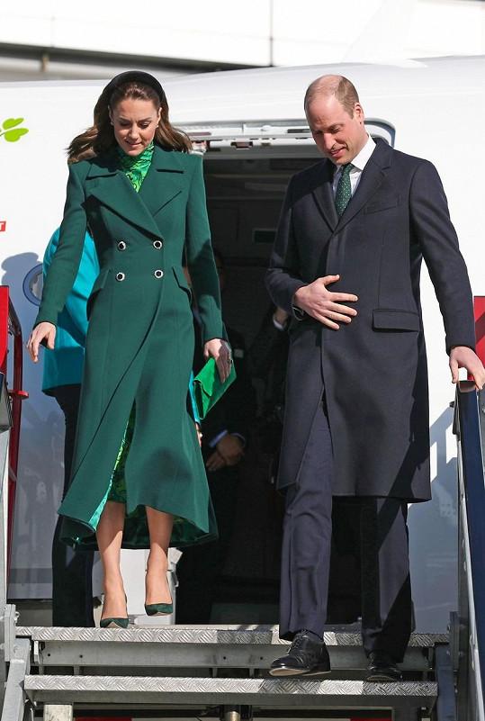 Kate a princ William jsou na třídenní návštěvě Irska. Pobytu na smaragdovém ostrově vévodkyně uzpůsobila šatník.