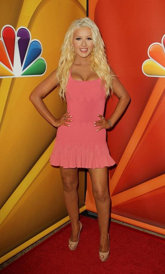Christina Aguilera je opět jako proutek.