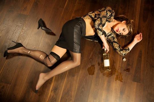 Žaneta Muchová se nechala zvěčnit jako alkoholička...