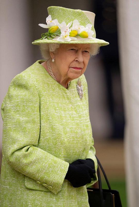 Rozhodla tak sama královna Alžběta II.