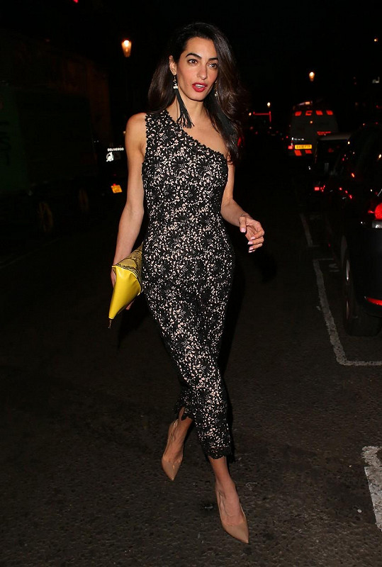 Amal Clooney zavítala do nočního klubu Electric House.