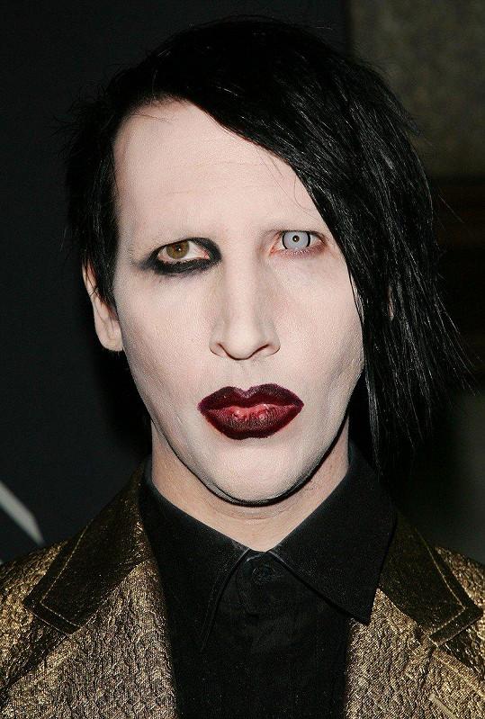 Marilyna Mansona sexuálně zneužíval soused.