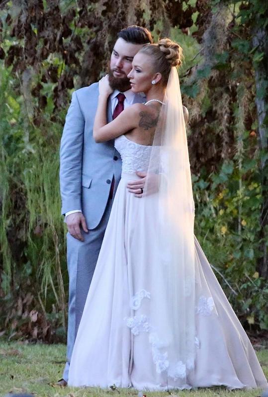 Maci Bookout se provdala za otce svých dvou dětí.