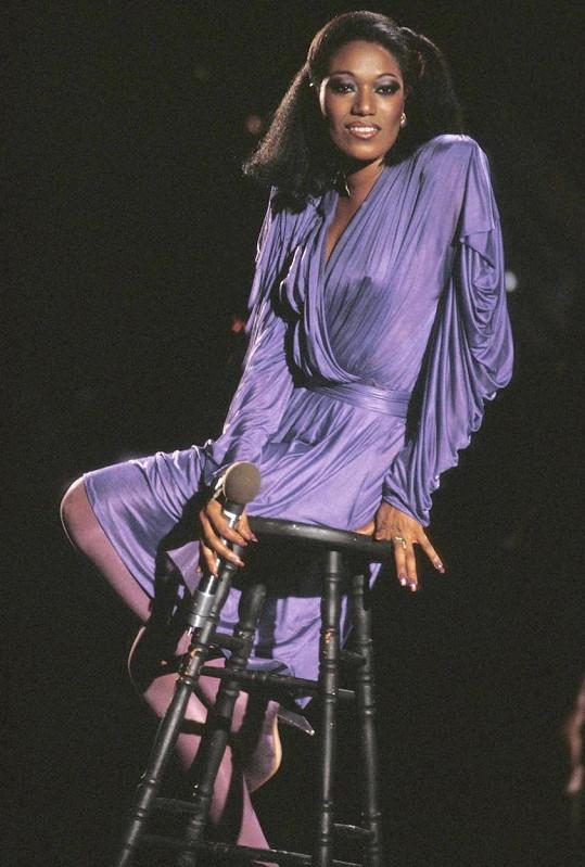 Bonnie Pointer byla zakládající členkou sesterské kapely The Pointer Sisters.