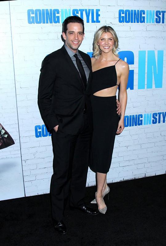 Cordero s manželkou Amandou Kloots. Po herci zůstal teprve roční syn Elvis.