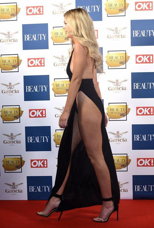 Danielle Sellers (22) je účinkující z britské televizní show Love Island.