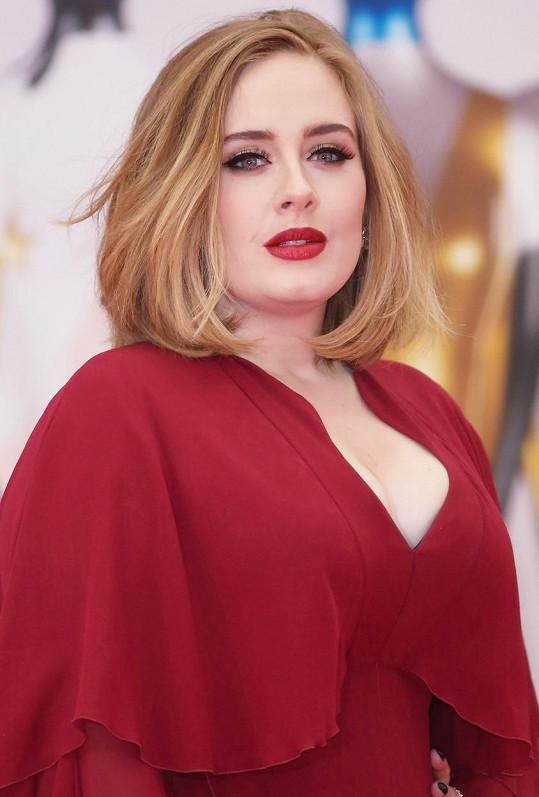 Adele se právem stala královnou BRIT Awards.