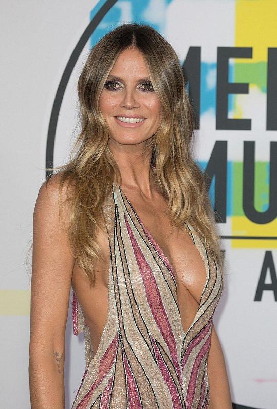 Heidi Klum je jednou z topmodelek, která má dostatek lukrativních módních zakázek i po čtyřicítce.