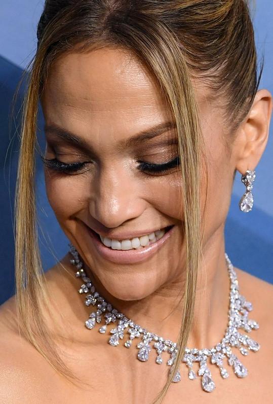 Šperky stály v přepočtu téměř 204 miliónů.
