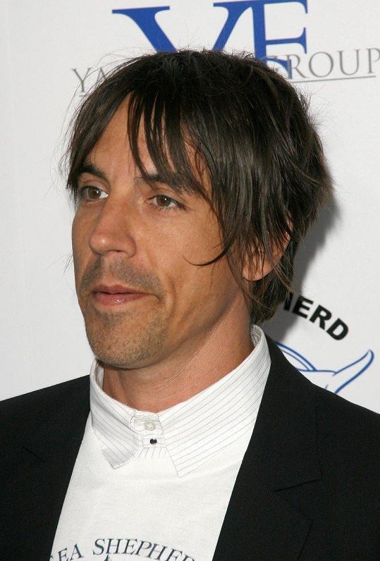 Anthonyho Kiedise napodobil skvěle.