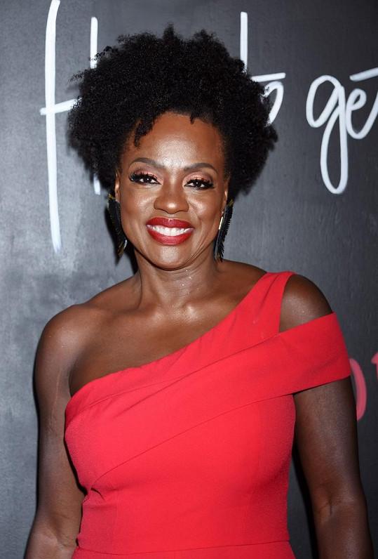 Do top 10 se poprvé dostala Viola Davis. Ta si přišla na pěkných 357 166 500 korun, a to hlavně díky seriálu Vražedná práva a filmové novince Ma Rainey's Black Bottom, kterou v prosinci uvede Netflix.