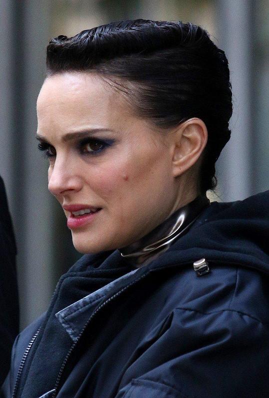 Natalie si ve filmu Vox Lux zahraje začínající zpěvačku.