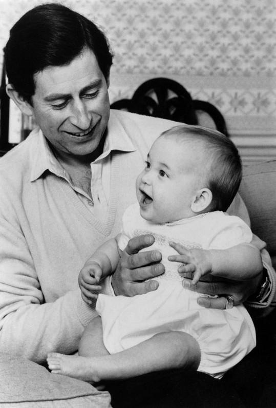 Půlroční William s tátou Charlesem