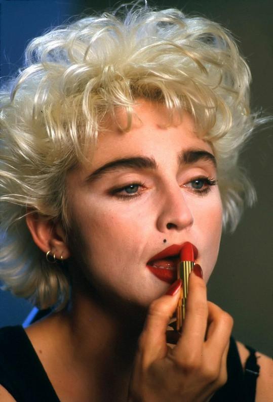 Že by Madonnu zamlada?