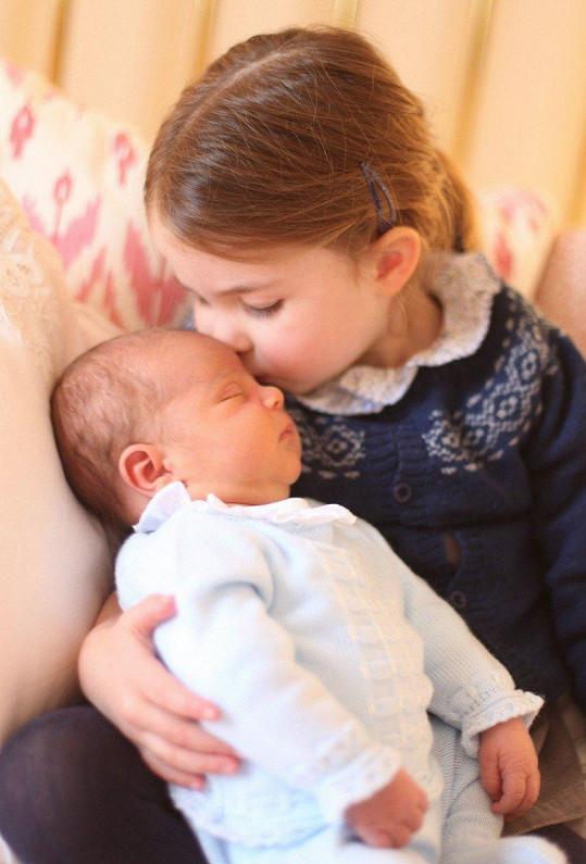 Louis se sestrou Charlotte