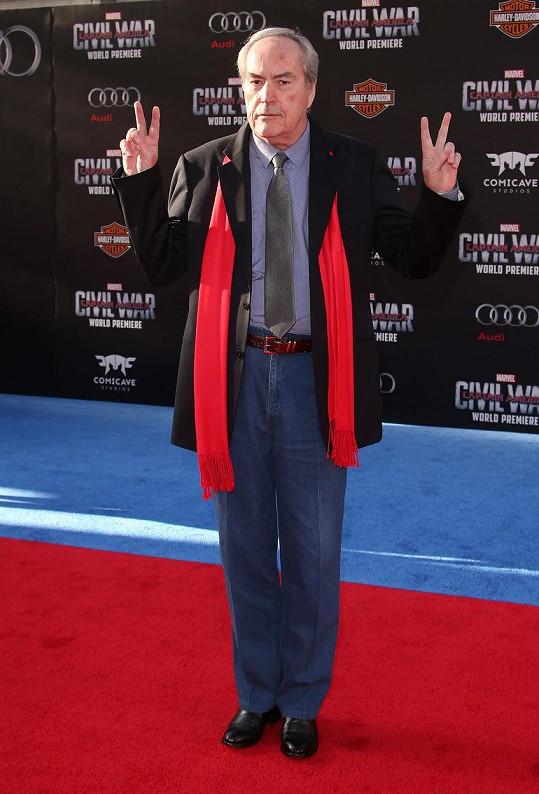 Loni Powers Boothe zavítal na premiéru filmu Captain America: Občanská válka.
