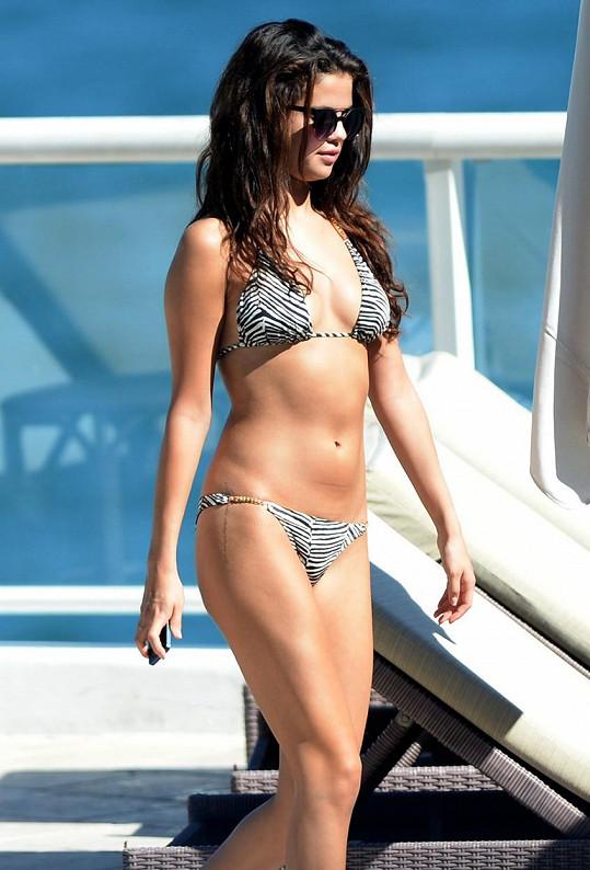 Selena na jachtě v roce 2013