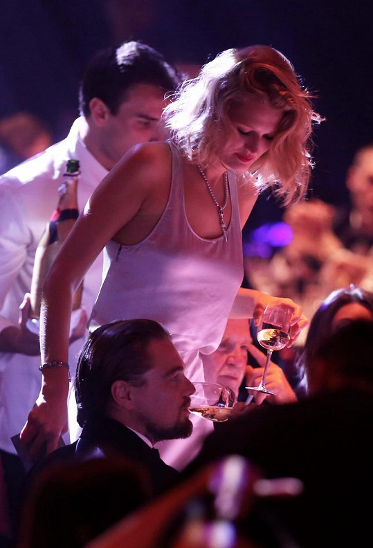 Toni doprovázela svého někdějšího partnera Lea DiCapria i na společenské akce.
