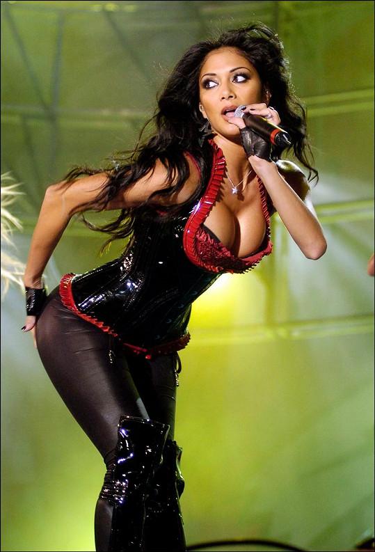Ostatním členkám vadilo, že Nicole v kapele dominovala.
