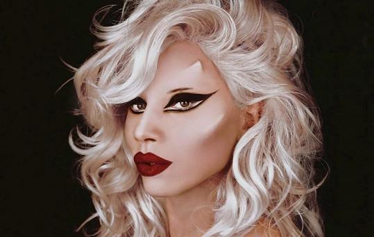 Gina Adriana jako Lady Gaga.