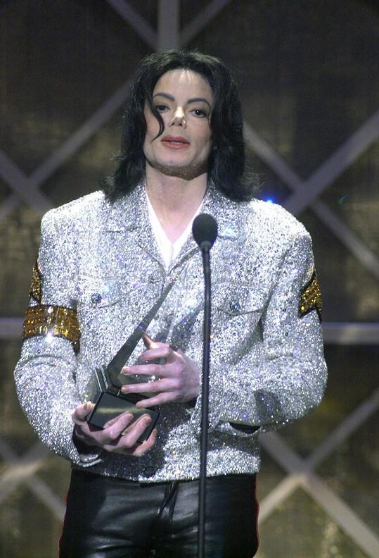 Pro zpěváka truchlily milióny fanoušků po celém světě.
