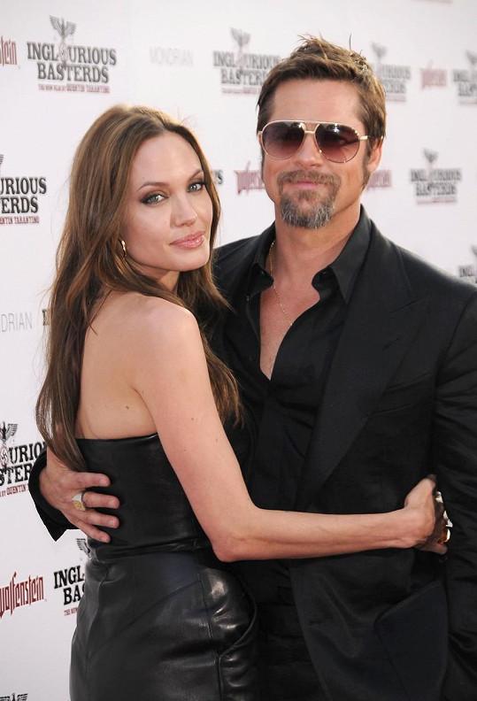 Od rozchodu s Angelinou Jolie by fanoušci Brada rádi viděli zpátky s Jennifer.