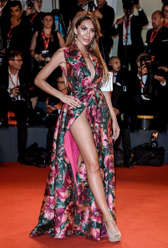 Americká televizní hvězdička Farrah Abraham vyrazila bez prádla na filmový festival ve Venice.