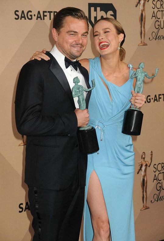 Na udílení SAG Awards bodovali Leonardo DiCaprio a Brie Larson.