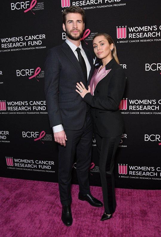 Liam Hemsworth a Miley Cyrus - rozdíl 26 cm
