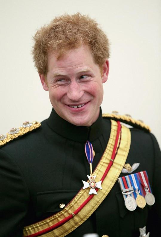 Princi Harrymu v alkoholovém opojení možná stačilo, že je dotyčná povolná a blond...