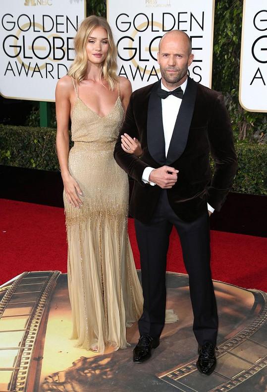 Rosie Huntington-Whiteley a Jason Statham budou chystat veselku.