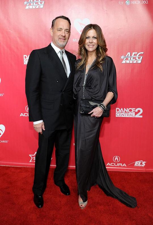 Tom Hanks s manželkou v roce 2012