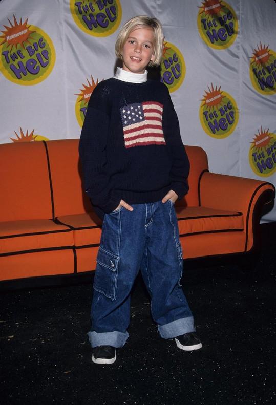 Aaron zahájil kariéru v sedmi letech.