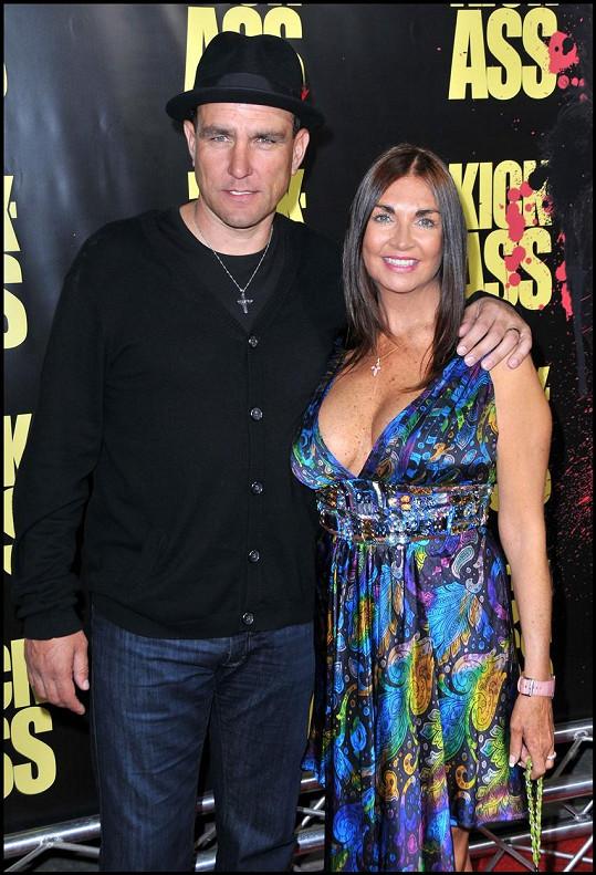 Vinnie Jones s manželkou Tanyou, která v létě podlehla rakovině. Foto z roku 2010