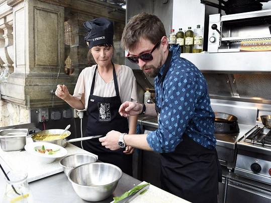 Jan Dolanský je prý výborný kuchař.