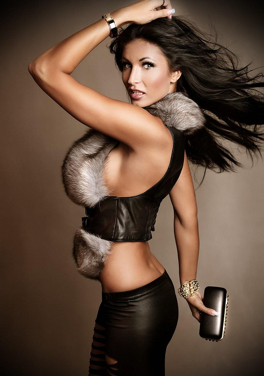 Finalistka České Miss 2009 je zosobněním snu spousty mužů.