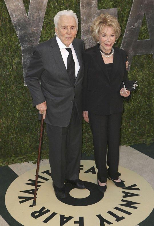 Kirk Douglas a Anne Buydens - 64 let