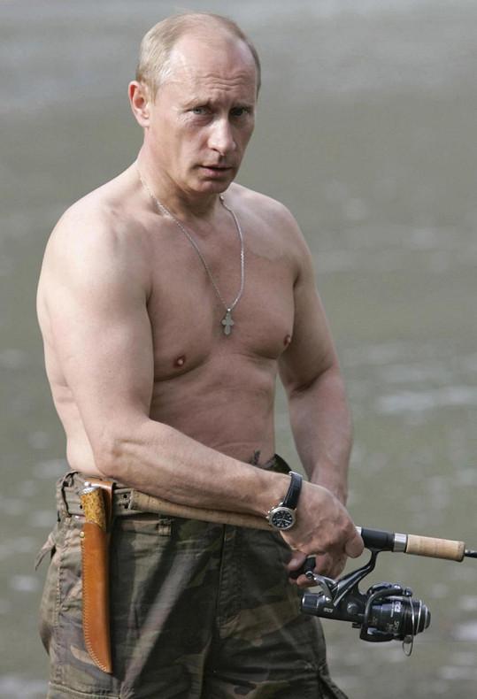 Momentálně obdivuje mužnost Vladimira Putina.