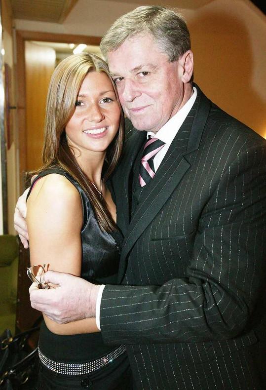 S tátou Laďou Kerndlem na deset let starém snímku