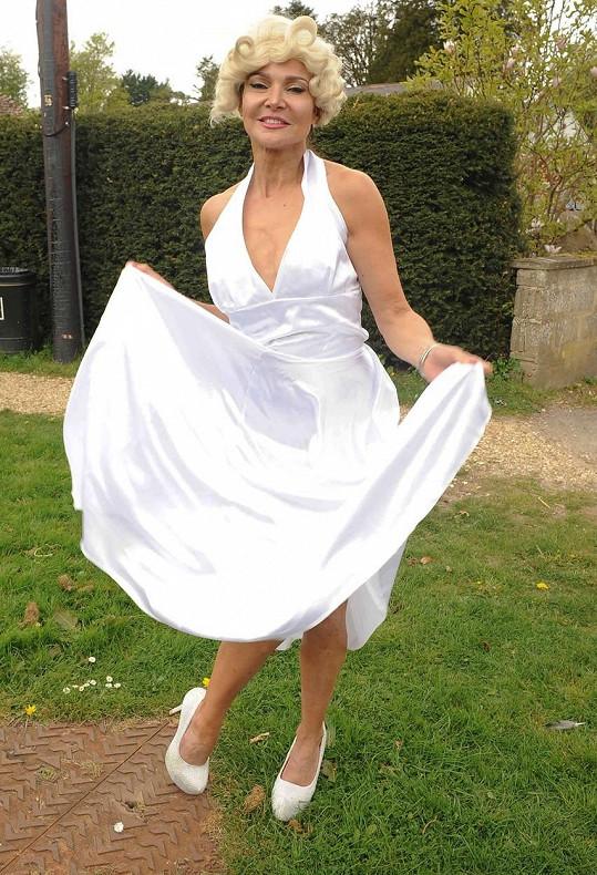 Lizzie Cundy si hrála na Marilyn Monroe.