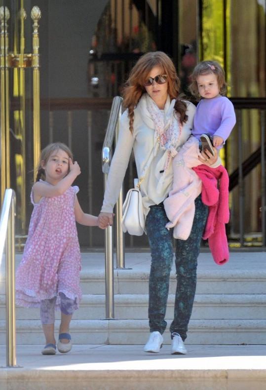 Isla Fisher s dcerami Olive a Elulou