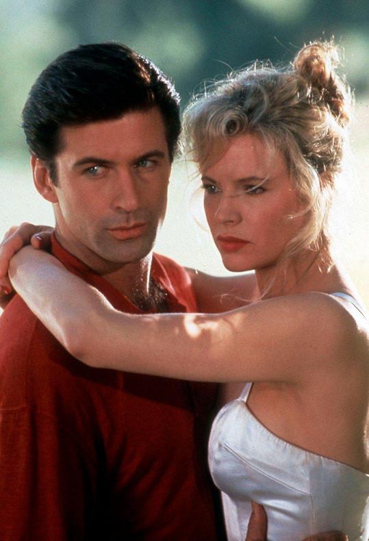 Alec Baldwin a Kim Basinger ve filmu Muž na ženění (1991)