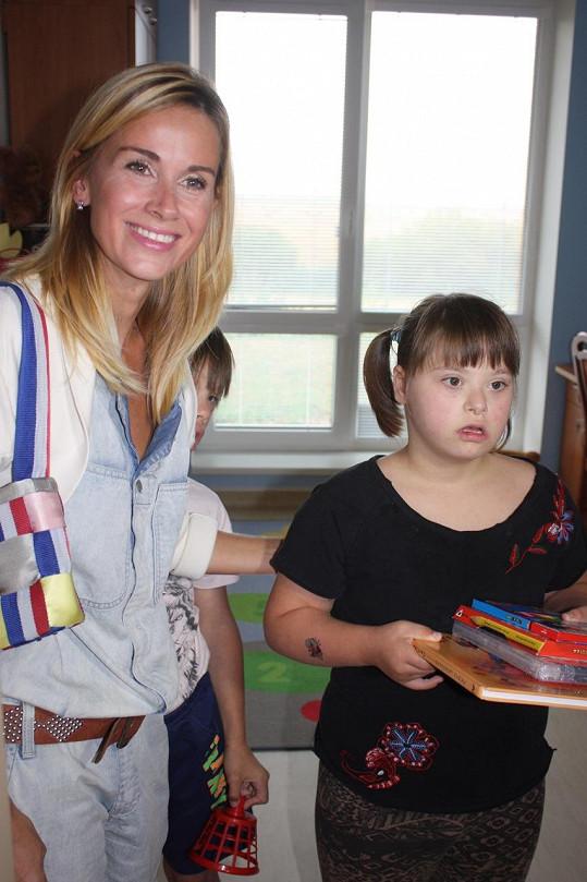 Hudebnice podporuje postižené děti také proto, že si na nic nestěžují.